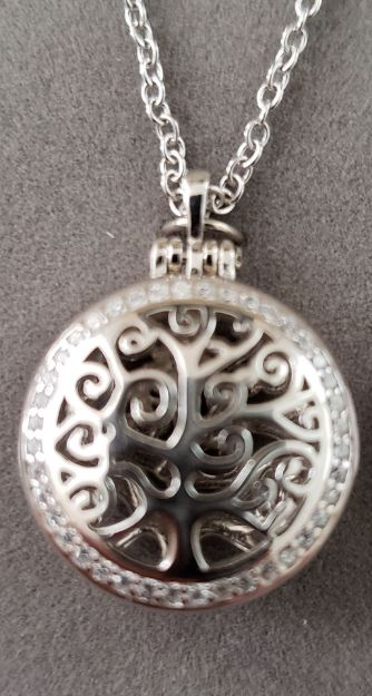 Picture of S332 Balinese Tree of Life Locket